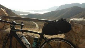 viajar-ligero-equipaje-bicicleta-carretera