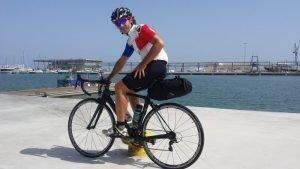viajar-poco-equipaje-bici-carretera